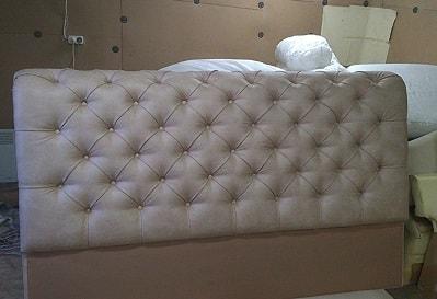 Фото перетяжка изголовья кровати